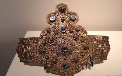 Boucle de ceinture en métal doré