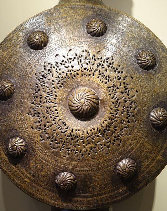 BRULE PARFUM Antiquités la Crédence Antiquaire Paris