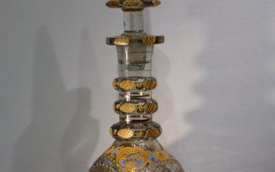 Objet d art Flacon en verre taillé 19e siècle
