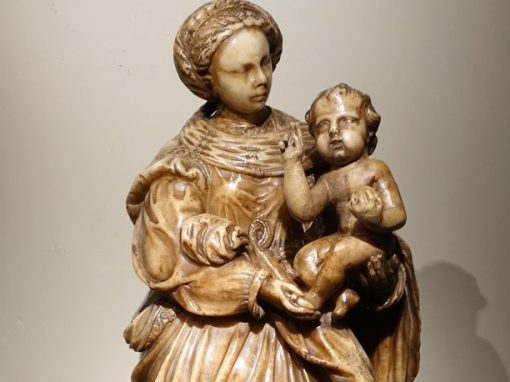 Sculpture Virgin and child in alabaster, Flanders 17th century antique dealer la credence paris