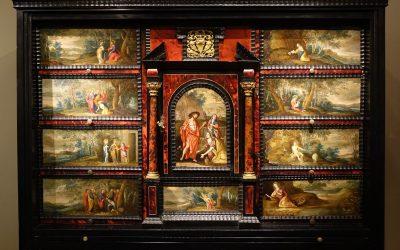Mobilier Cabinet flamand en ébène, écaille et bois noirci, à décors peints 17e siècle