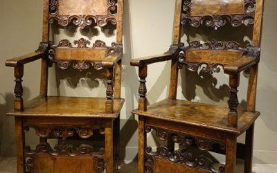 Mobilier Paire de fauteuils Italiens 17e siècle