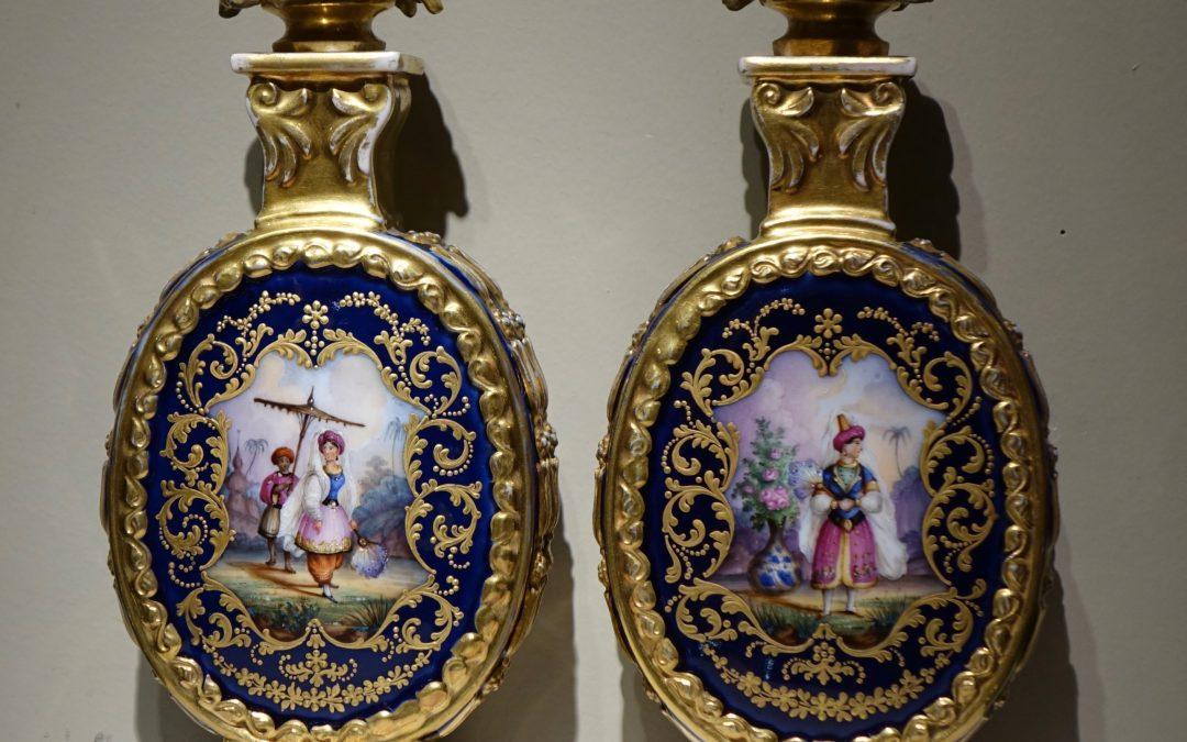 Objets d'art-Flacons turquerie- Antiquites La Credence antiquaire a Paris