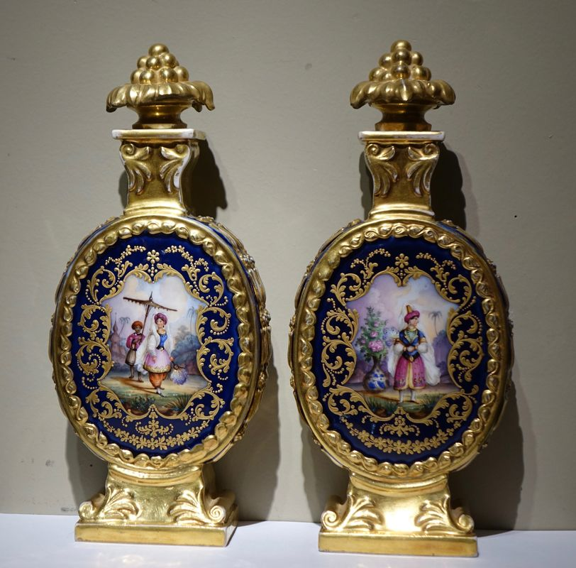 Fine Arts A pair of porcelaine bottles with Orientalist decor, France circa 1850antique store la credence paris