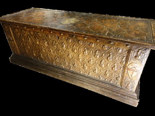 Furniture Large 15th Century Wedding Cassone antique dealer la credence antiques paris