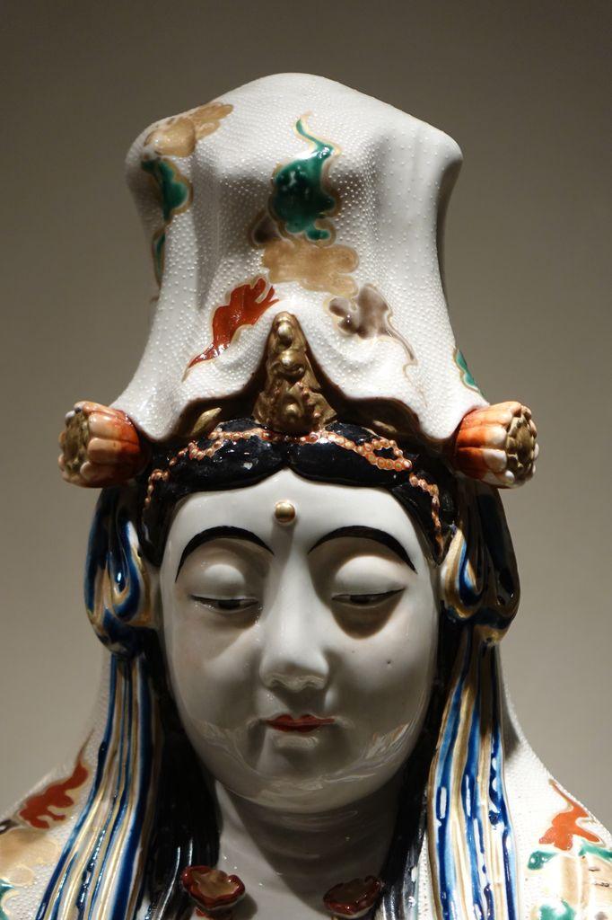Grande statue de Kannon en Porcelaine Japon