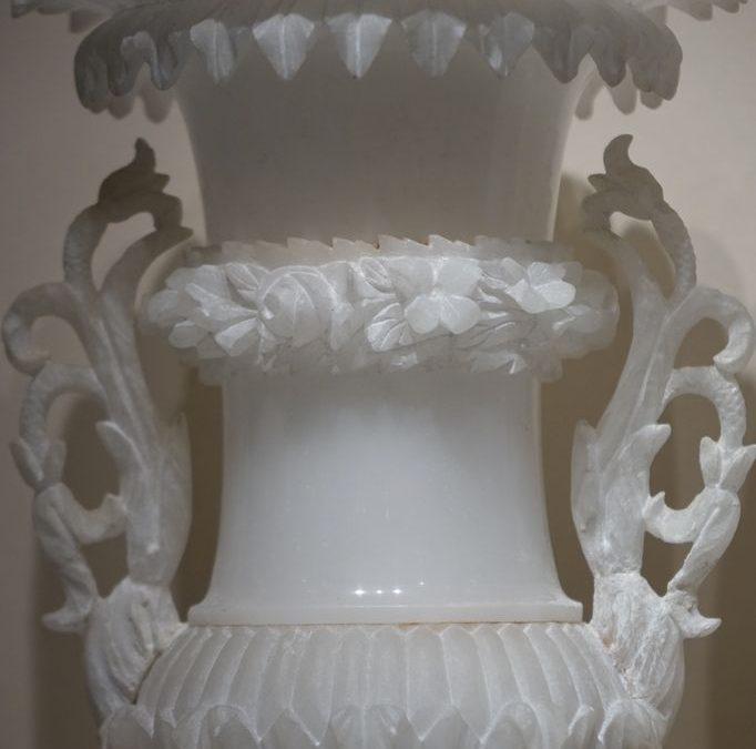 Paire de vases albatre 19e siecle