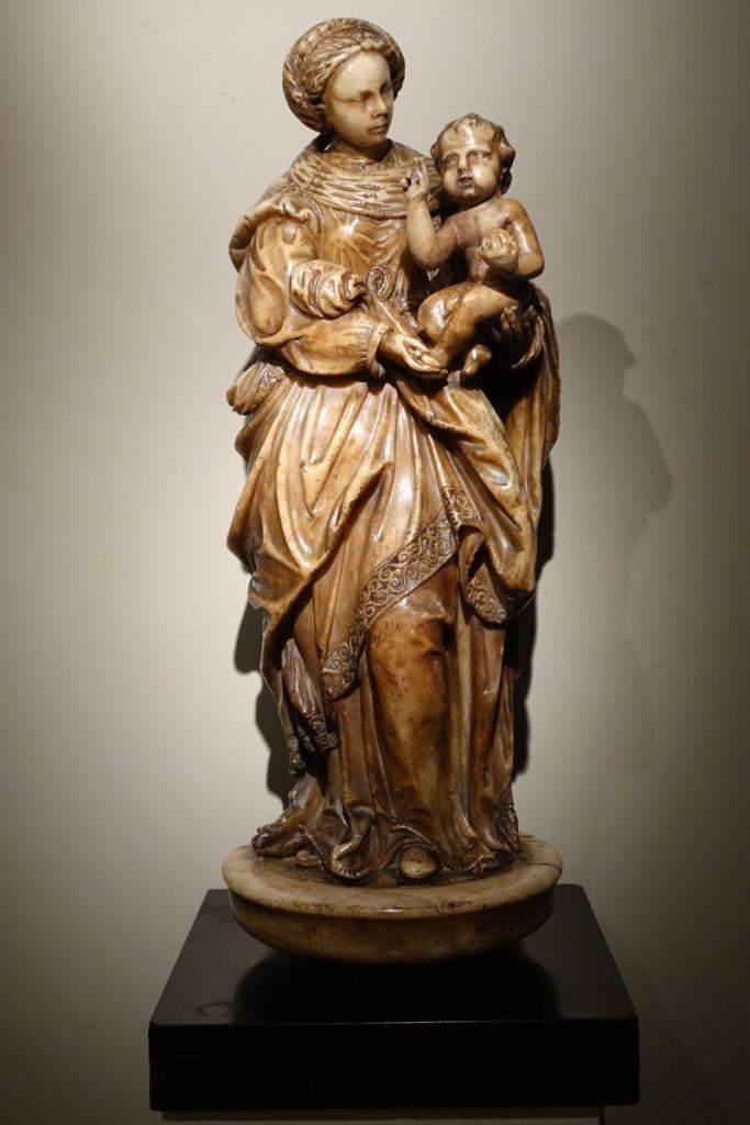 SCULPTURE Virgin and Child Alabaster 16th Century la credence antique store paris