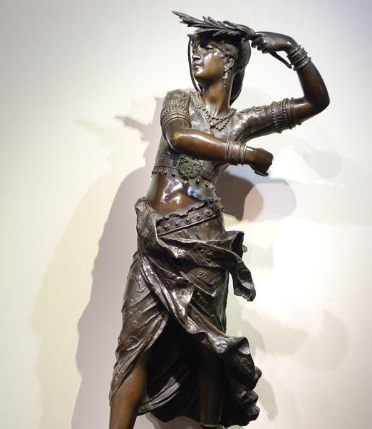 Bronze signé Henri Honoré Ple la credence antiquites paris