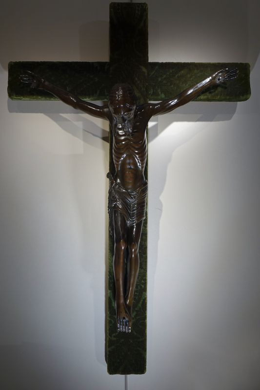 GRAND CHRIST EN BRONZE la credence antiquaire paris
