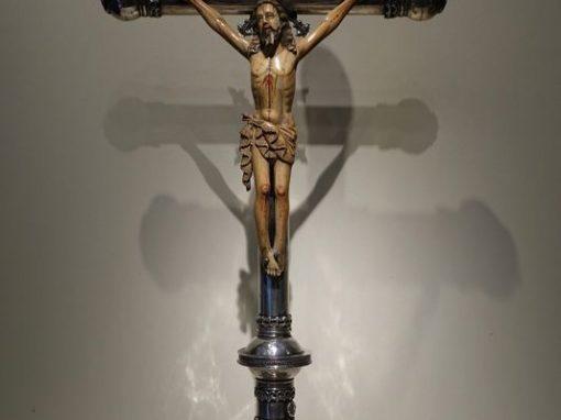 Sculpture Large silver altar cross Goa,la credence antique dealer paris