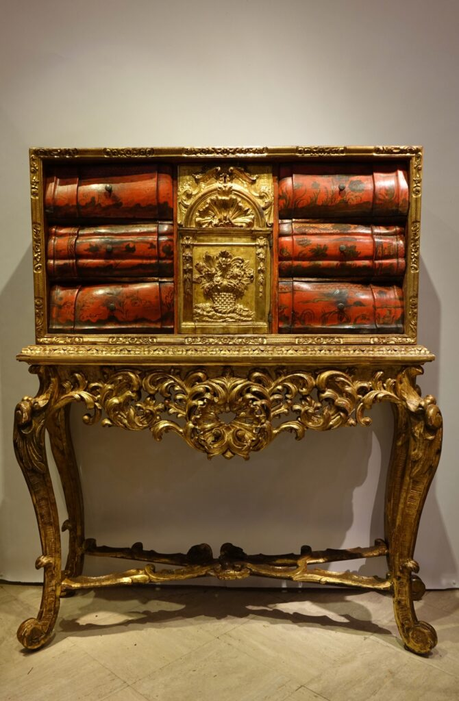 Painted wood and gilded wood cabinet, 18th century Venice la credence antiques paris