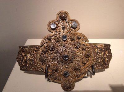 Antiquités la Crédence Antiquaire Paris