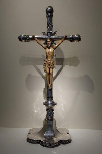 Sculpture Christ Indo Portugais 16e Siecle 1 La Credence Antiquaire A Paris