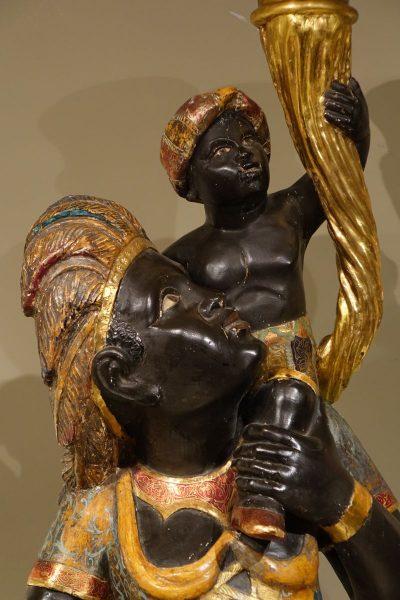 Sculpture Paire de porte Torchères en bois polychrome Venitien Antiquités la Crédence Antiquaire Paris